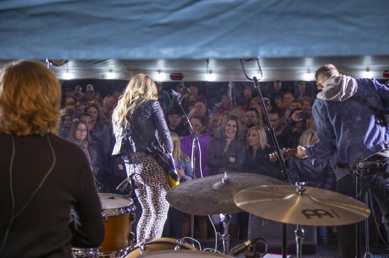 Lindsay Ell, Single Barrel Social, Road To Stars And Strings