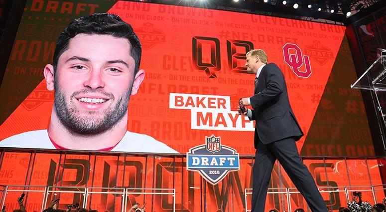 5cddf0369 NFL commissioner commissioner Roger Goodell walks off stage as Baker  Mayfield is selected