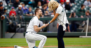 Seattle Mariners fan Tom Juel makes a marriage proposal